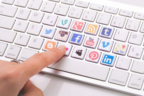 How to Add Social Sharing Buttons to Your Business Blog